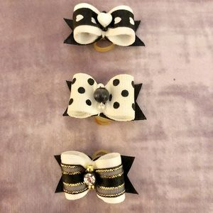 Accessories - 14 Doggie hair bows and hair clips 🎀TOTAL 14🎀